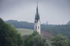 Kyrka bak en kyrka Fotografering för Bildbyråer