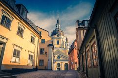 Kyrka Catherine Church de Katarina avec l'horloge sur le dôme, Stockholm, S image stock