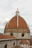 Kyrka för Duomobasilikadomkyrka, Firenze, sikt från Giottos Bel Royaltyfri Fotografi