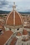 Kyrka för Duomobasilikadomkyrka, Firenze, sikt från Giottos Bel Fotografering för Bildbyråer