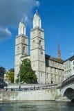 Kyrka för Grossmà ¼nster i Zurich, Schweiz royaltyfria foton