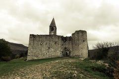 Kyrka för helig Treenighet i Hrastovlje, Slovenien Arkivbilder