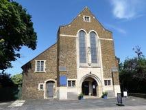 Kyrka för St-Mary--oskuld församling, aveny för 3 St Leonards, Kenton, harv royaltyfri fotografi