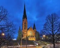 Kyrka för St Michael ` s i Turku i natt, Finland Arkivfoto