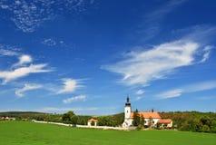 Kyrka för St Micholas i Oslavany, Tjeckien Härlig gammal kyrka Arkitektur-monument Fotografering för Bildbyråer