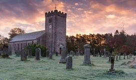 Kyrka för St Oswalds, Ravonstonedale, Cumbria Royaltyfri Foto