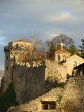 Kyrka för St Petka, Belgrade, med det guld- glänsande korset royaltyfria foton