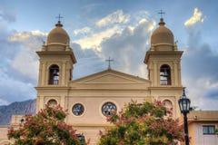 Kyrka i Cafayate i Salta Argentina. Arkivbild