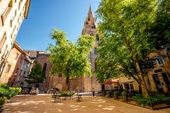 Kyrka i den Grenoble staden Arkivbild