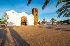 Kyrka i den La Oliva byn på den Fuerteventura ön Arkivbilder