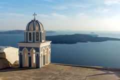 Kyrka i Fira, Santorini, Thira, Cyclades öar Arkivbild