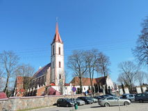 Kyrka i Kretinga, Litauen fotografering för bildbyråer