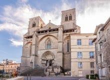 Kyrka i La Chaise Dieu - Frankrike royaltyfri fotografi