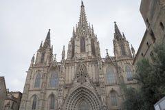 Kyrka i mitten av Barcelona Royaltyfri Fotografi