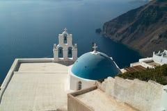 Kyrka i Santorini Royaltyfria Foton