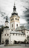 Kyrka i staden Banska Bystrica, Slovakien royaltyfri fotografi