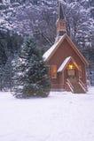 Kyrka i vinter Royaltyfri Fotografi