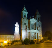 Kyrka och kloster av San Francisco i natt Arkivbild