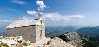 Kyrka på berget Royaltyfri Fotografi