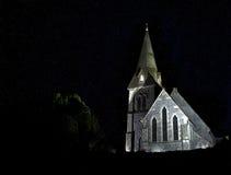 Kyrka på natten Fotografering för Bildbyråer