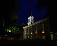 Kyrka på natten i Riegelsville PA Bucks County Royaltyfria Foton