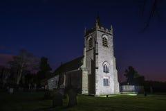 Kyrka på skymning Royaltyfri Bild