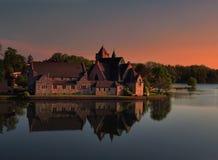 Kyrka på solnedgången Royaltyfria Bilder