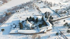 Kyrka som ses från över, snö royaltyfria foton