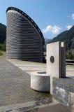 Kyrkan av arkitekten Mario Botta på Mogno Arkivbild