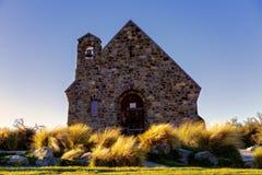Kyrkan av den bra herden On Lake Tekapo i Nya Zeeland royaltyfri bild