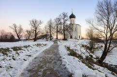 Kyrkan av interventionen på Nerlen arkivfoto
