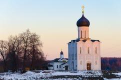 Kyrkan av interventionen på Nerlen Royaltyfri Foto