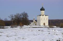 Kyrkan av interventionen på Nerlen Royaltyfria Bilder