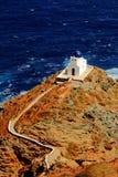 Kyrkan av sju martyr, Sifnos ö, Grekland royaltyfri bild