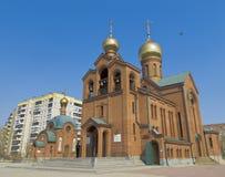Kyrkan av St-basilika det stort i Chelyabinsk Arkivfoto