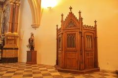 Kyrkan av St Jacob fläderna är en sen gotisk tre-skepp korridorkyrka som lokaliseras på Jakub Square i Brnoen arkivbilder