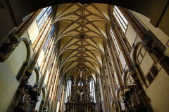 Kyrkan av vår dam av snöarna (tjeck: Né för ¾ för Panny Marie SnÄ› Å) lokaliseras nära den Jungmann fyrkanten i Prague, Tjeckien Arkivfoton