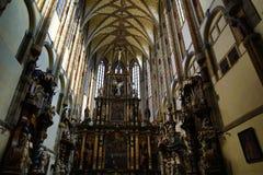Kyrkan av vår dam av snöarna (tjeck: Né för ¾ för Panny Marie SnÄ› Å) lokaliseras nära den Jungmann fyrkanten i Prague, Tjeckien Royaltyfri Fotografi