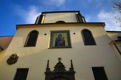 Kyrkan av vår dam av snöarna (tjeck: Né för ¾ för Panny Marie SnÄ› Å) lokaliseras nära den Jungmann fyrkanten i Prague, Tjeckien Fotografering för Bildbyråer