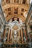 Kyrkan i Naples, frescoes och stuckaturen arbetar inom arkivfoton
