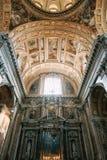 Kyrkan i Naples, frescoes och stuckaturen arbetar inom royaltyfri bild
