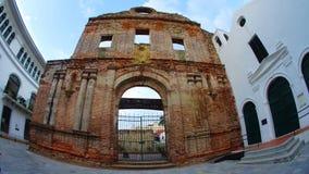 Kyrkan och kloster av Santo Domingo konstruerades i det 17th århundradet Kyrkan byggdes om aldrig efter en brand som förstörde Royaltyfri Foto