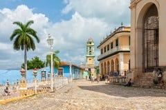 Kyrkan och kloster av St Francis beskådade från Plazaborgmästare Arkivfoto