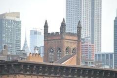Kyrklig design för taköverkantarkitektur fotografering för bildbyråer