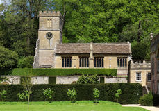 kyrklig engelsk tornby Royaltyfri Fotografi