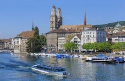 kyrklig för peter s för framsida för stadscityscapeklocka störst värld zurich för torn st schweizisk Royaltyfri Bild