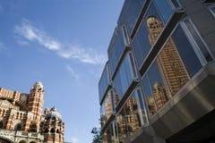 kyrklig facadebild moderna london Arkivbilder