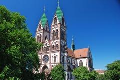 kyrklig freiburg för breisgau hjärta sakrala jesus Arkivbilder