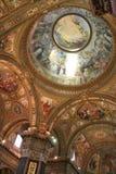 kyrklig interior arkivbild