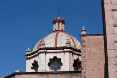 Kyrklig kupol i San Luis Potosi Arkivfoton